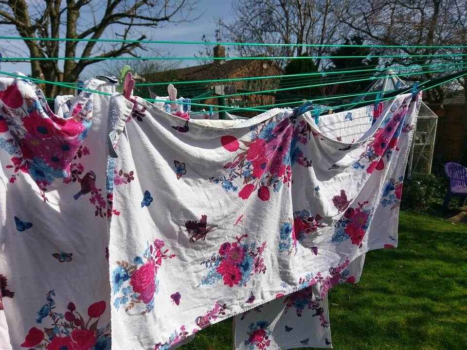 The 8 Best Outdoor Clotheslines [2020 Reviews]