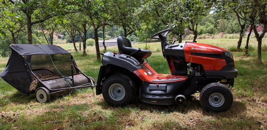 Agri-Fab Lawn Sweeper Reviews [Top Picks for 2020]